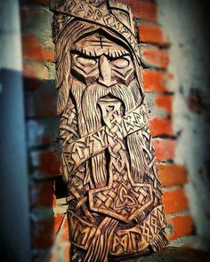 Viking Designs, Norse Tattoo, Chur, Viking Art, Woodcarving, Dremel, Celtic Knot, Wood Working, Wicca