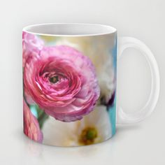 This mug is just too perfect for spring. Who else loves the beautiful flowers that spring brings? #MrCoffee