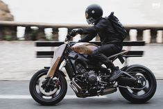This Yard Built Yamaha from France reveals the future of custom bike building—and there's not a hammer or English wheel in sight. Motorcycle Style, Bike Style, Retro Motorcycle, Motorcycle Quotes, Custom Motorcycles, Custom Bikes, Triumph Motorcycles, English Wheel, Bike Photo