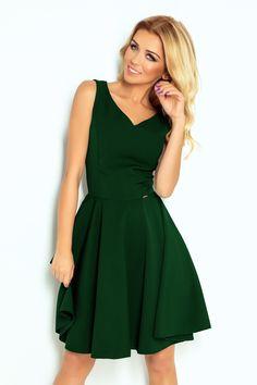 e6e2b80dc4 Ciemnozielona rozkloszowana sukienka z dekoltem w kształcie serca. Polski  producent sukienek. Hurtownia internetowa www.numoco.com  numoco ...