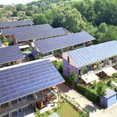 Go Green 4 Health. Good Tips On How To Take Advantage Of Solar Energy. Solar power has been around for a while and the popularity of this energy source increases with each year. Solar energy is great for commercial and residen Sustainable Energy, Sustainable Living, Sustainable Design, Renewable Energy, Solar Energy, Solar Power, Water Energy, Residential Solar Panels, Sustainable Architecture