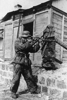 "panzerpionier: ""German Sniper ""- pin by Paolo Marzioli German Soldiers Ww2, German Army, Ww2 History, World History, Military Art, Military History, Germany Ww2, German Uniforms, Military Pictures"