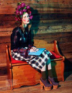 Distressed Tie-Dye Lookbooks : wanessa milhomem