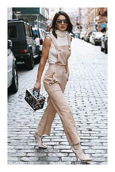 Os melhores looks que passaram pelo street style do NYFW. Classy Outfits, Casual Outfits, Cute Outfits, Fashion Outfits, Fashion Trends, Beige Outfit, Look Zara, Love Fashion, Fashion Looks