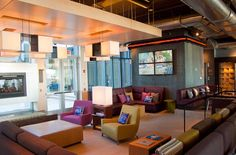 Enjoy a good read or a friendly conversation in Aloft Dulles' re:mix lounge. Energizing beats pull you in to mix & mingle with the best.