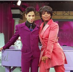Music pioneer Prince passed away at his Paisley Park Studios in Minnesota. Look back on the legend in this clip from his 1996 interview with Oprah Winfrey. Mavis Staples, Sheila E, Purple Rain, Madonna, Jazz, Oprah Winfrey Show, Pictures Of Prince, Prince Images, Hip Hop