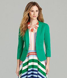 Love this entire look. This is a great, modern blazer to add to your closet.
