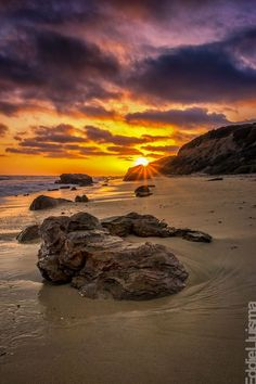 Happy Aloha Friday from Newport Beach, California Beautiful Sunrise, Beautiful Beaches, Nature Landscape, I Love The Beach, California Dreamin', Newport Beach California, Amazing Sunsets, Ciel, Beautiful Landscapes