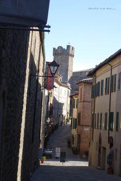 ¡Vamos a pasear por #Montalcino! #Molyvade #viaje #Toscana #Pinino ¿Viajamos un poco? http://molyvade.blogspot.com/2016/05/montalcino.html