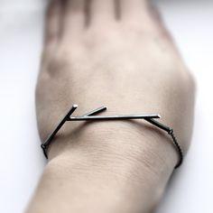 Stöcke 02. Zweig-Armband 925er Silber von jewelryMirta auf Etsy https://www.etsy.com/de/listing/67114039/stocke-02-zweig-armband-925er-silber
