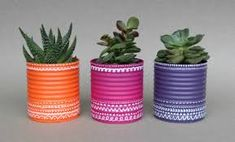 Painted tin cans for tiny pots Tin Can Crafts, Diy Crafts To Sell, Fun Crafts, Formula Can Crafts, Painted Tin Cans, Pringles Can, White Paint Pen, Painted Plant Pots, Pot A Crayon