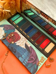 Makeup Products Lidschatten-Palette A New Way To E Melt Cosmetics, Makeup Cosmetics, Benefit Cosmetics, Sephora Makeup, Make Up Palette, Red Eyeshadow Palette, Eyeshadow Makeup, Purple Eyeshadow, Make Up Gold