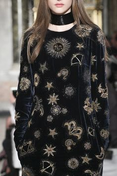 Zodiac dress -- Emilio Pucci Fall 2015 Ready-to-Wear - Collection Same: http://m.fr.topshop.com/h5/product?productId=22128523