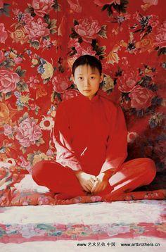 Wang Yidong (王沂东; b1955, Yimeng Mountain area of Shandong Province, China). He is an older brother of another notable painter, Wang Yiguang (王沂光; b1960).