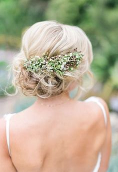 Wedding hairstyle idea; Featured Photographer: Troy Grover Photography