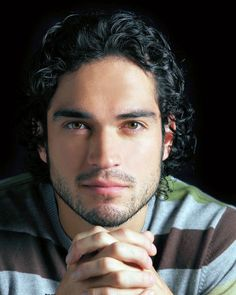 Alfonso Herrera - I admit, Poncho is usually my go-to guy when it comes to book heroes no matter what they look like... BUT there is just no other Reyes Farrow in my eyes. Reyes Farrow = perfection, perfection = Alfonso Herrera, thus Reyes Farrow = Alfonso Herrera. Enough said.