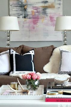 Love this mix of neutrals and color.