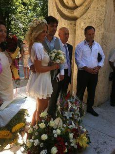 Romania, Gossip, Celebrity Style, Table Decorations, Celebrities, Hair, Home Decor, Celebs, Decoration Home