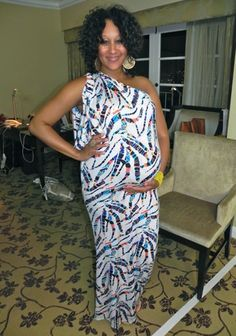 Tamera looks FABULOUS in this T Bags Plus Printed One Shoulder Maxi Dress #StyleNetwork #TandT Maternity Wear, Maternity Fashion, Summer Maternity, Pregnancy Fashion, Pregnancy Looks, Pregnancy Style, Pregnancy Clothes, Pregnancy Photos, Tamera Mowry
