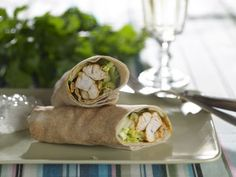 Wraps med krydret kylling | Familie Journal Fresh Rolls, Wraps, Mexican, Ethnic Recipes, Food, Journal, Persian, Meal, Eten