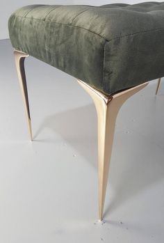 Lancia Espansa Bench with a Solid Bronze Tapered Legs 4