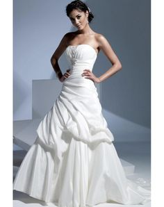 High-Quality 2012 New Strapless Pleats Sweep Train Wedding Dress Sale in Our Online Shop Canada