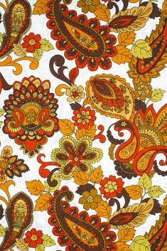 1970's fabric with colorful paisley pattern via http://www.vintagewallpapers.be