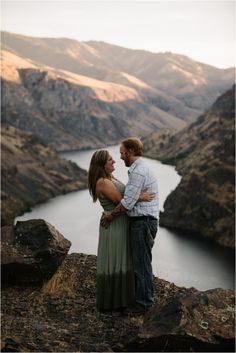 Hells Canyon Engagement Photos - Eastern Oregon Engagement Pictures