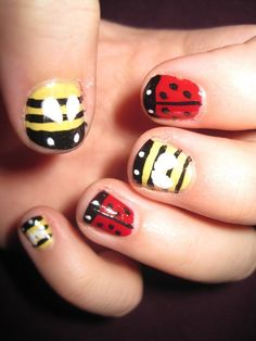 Ladybug Nail Art & Bee Nail Art Omg haha! This is so cute! Especially the bees are very cute! <3