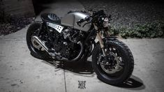 Cafe racers, scramblers, street trackers, vintage bikes and much more. The best garage for special motorcycles and cafe racers. Cb750 Cafe Racer, Suzuki Cafe Racer, Cafe Racers, Cafe Racer Bikes, Cafe Racer Build, Cafe Racer Motorcycle, Bobber Custom, Scrambler Custom, Custom Motorcycles