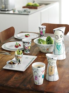 Everyday table setting with Poul Pava - make if colorful. #poulpava #colorful #tablesetting #everyday #setup #design #art
