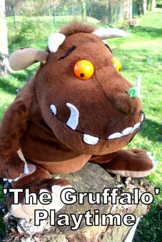 Imaginative play with this The Gruffalo outdoor playtime - story retelling trail outdoors using characters