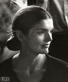 Jackie Kennedy - @classiquecom