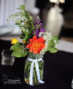 Love the idea but would add a white or lighter color flower :)  Mason Jars - Dahlias, just missing a Sunflower