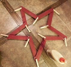 Woodworking Projects For Kids Hometalk :: How to Make Stars From Left Over Wooden Shims - Around our house, there is ALWAYS a project going. I hate to admit it.but it just never ends. When you are in constant remodel, the supplies are endless. Christmas Wood, Christmas Projects, Holiday Crafts, Christmas Stars, Christmas Ornaments, Fourth Of July Decor, 4th Of July Decorations, July 4th, Woodworking Projects For Kids