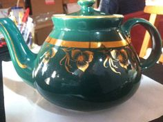 Hall Teapot like new green with gold accents 6 cup by denisekienow