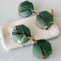 Trending Sunglasses, Stylish Sunglasses, Sunglasses Women, Chloe, Lunette Style, Cool Glasses, Accesorios Casual, Fashion Eye Glasses, Women's Accessories