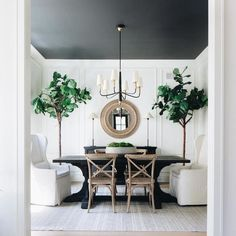 Tiny Home Interior Black and white dining room This is one of my favorite dining rooms of all time. I love the simplicity of the color pallet - white, black, and wood; yet it is so far from simple Black and white dining room Black And White Dining Room, Black Dining Room Table, White Dining Rooms, Black And White Interior, Modern Dining Rooms, Black Table, Dining Tables, All White Room, Modern Living