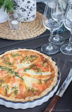 Quiche me up – zum verspargeln gut … Das perfekte Abendessen … mit Lachs und Spargel … dazu ein Gläschen gekühlten Weißwein … und das Ganze mit Freunden …