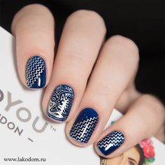 Cute navy & silver nails
