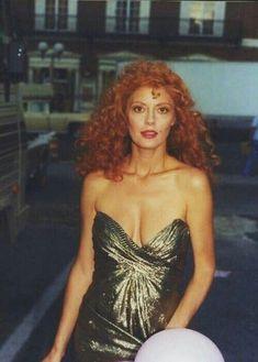 Susan Sarandon Hot, Young And Beautiful, Beautiful Women, Divas, Thelma Et Louise, The Witches Of Eastwick, Geena Davis, New York City, Power Dressing