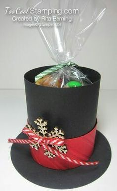Rita's Frosty The Snowman's Hat Treat Holder/found cookie tin redo section Christmas Favors, Christmas Paper Crafts, Christmas Countdown, Christmas Candy, Christmas Treats, Christmas Projects, Holiday Crafts, Christmas Holidays, Christmas Decorations