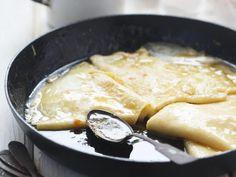 Pâte à crêpes sans oeuf : Recette de Pâte à crêpes sans oeuf - Marmiton Grand Marnier, Crepes, Camembert Cheese, Curry, Meat, Ethnic Recipes, Desserts, Food, Baby