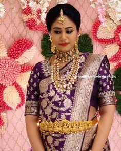 Bridal Sarees South Indian, Indian Bridal Outfits, Indian Bridal Fashion, Indian Sarees, Pattu Saree Blouse Designs, Fancy Blouse Designs, Bridal Blouse Designs, Saree Look, Gold Jewelry
