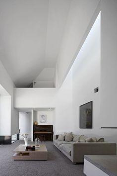 Große Raumhöhe im Wohnzimmer