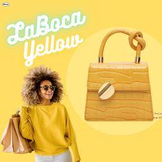 Best way to treat your self. Trendy Purses, Trendy Handbags, Unique Purses, Cute Crossbody Purses, Crossbody Clutch, Aesthetic Fashion, Look Fashion, Summer Purses, Trendy Girl