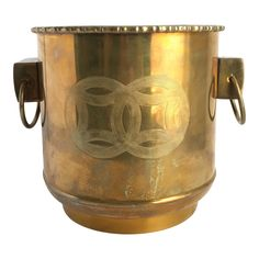 A lovely Chinoiserie brass planter with an Asian motif and faux bamboo trim. This piece has great patina and would bring warmth to any room. Drum Side Table, Brass Planter, Faux Bamboo, Moscow Mule Mugs, Chinoiserie, Vintage Furniture, Planters, Asian, Antiques