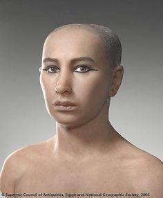 IL CAIRO – Un team di esperti francesi, statunitensi ed egiziani è riuscito a ricostruire il volto di Tutankhamon, attraverso una tomografia computerizzata della mummia del faraone vissuto nel XIV secolo a.C.. Dalla ricostruzione il faraone egiziano appare un uomo giovane, di circa di 19 anni, dalle labbra carnose.