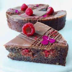 Brownie med marcipan og hindbær