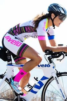 Our top of the line SDP kit is bold, beautiful, and will give you confidence on the bike as heads turn! Made with premium fabrics, you will be shocked by how comfortable it is! Bicycle Women, Road Bike Women, Bicycle Girl, Cycling Wear, Cycling Girls, Cycling Outfit, Radler, Female Cyclist, Cycle Chic